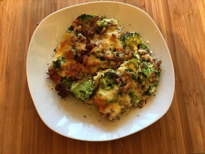 Low Carb Fitness Auflauf mit Brokkoli und Hackfleisch