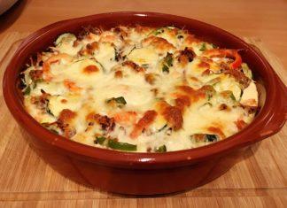 Gemüseauflauf mit Hackfleisch (Low Carb)