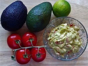 Zutaten für einen Guacamole Dip