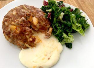 Hackfleisch-Patty mit Camembertfüllung Low Carb