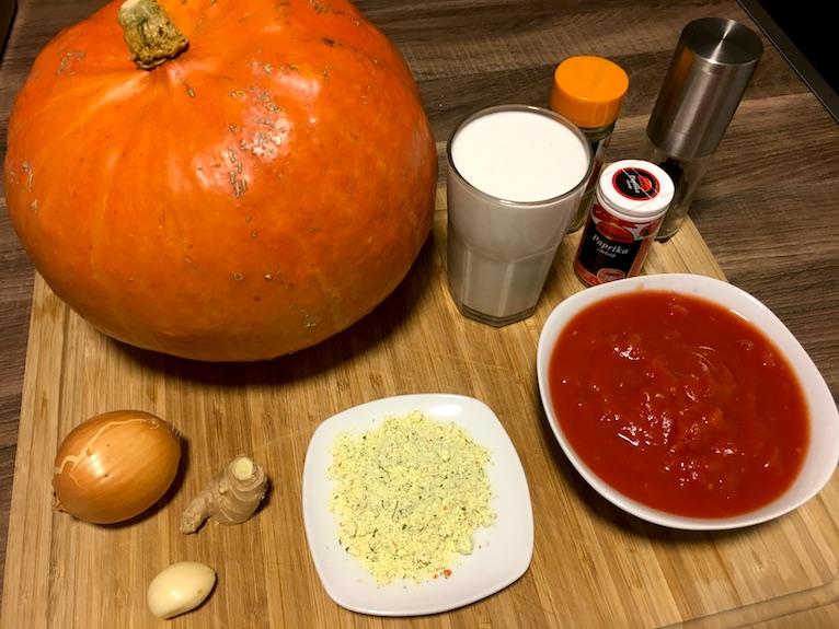 Zutaten für Kürbissuppe mit Kokosmilch und Ingwer