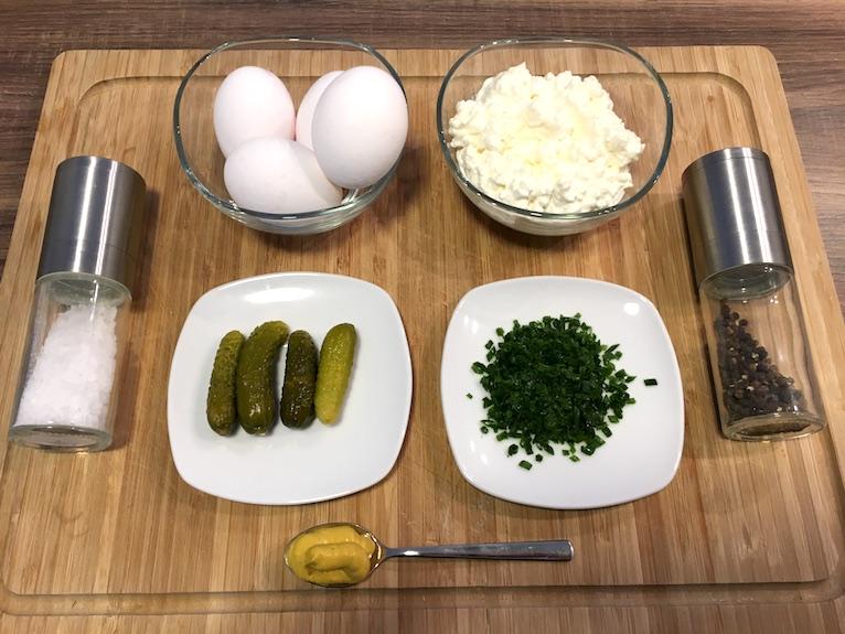 Zutaten für unseren Fitness Eiersalat ohne Mayonnaise - Leicht und lecker