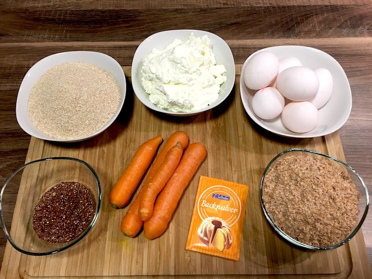 Zutaten für unser saftiges Low Carb Brot mit Magerquark und Karotte