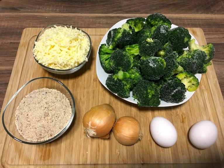 Zutaten für unsere Low Carb Brokkoli & Cheese Fluffys