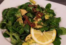 Avocado Salat mit Chia-Samen